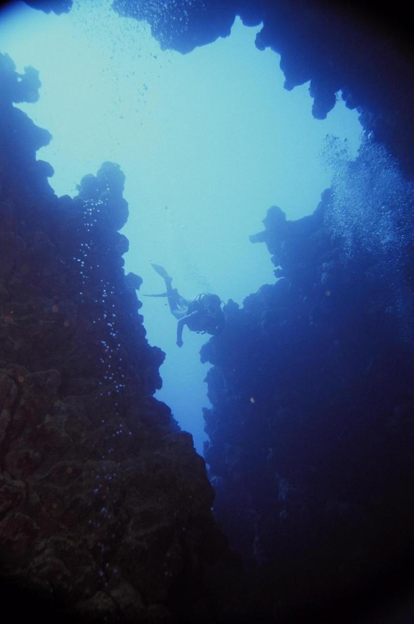 Dahab - Canyon, Canyon (Dahab),Ägypten,Höhle,Grotte,Öffnung,Licht,Lichteinfall,blau