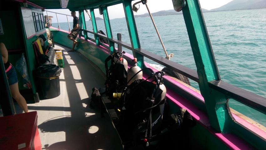 Viel Platz auf einem der Tauchboote, Member Diving, Koh Samui, Thailand, Golf von Thailand