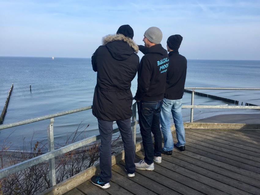Vorfreude mit Briefing vorm Tauchen, Tauchen Rostock Ostsee Tauchkurs Tauchschein, Tauchbasis Nienhagen, Deutschland, Mecklenburg-Vorpommern