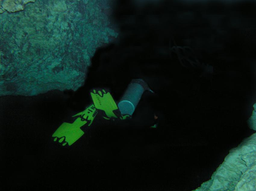 Höhlentauchen mit Sporttauchausrüstung