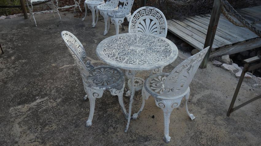 Tisch in der Anlage, Apartments Watapana, Niederländische Antillen, Curaçao