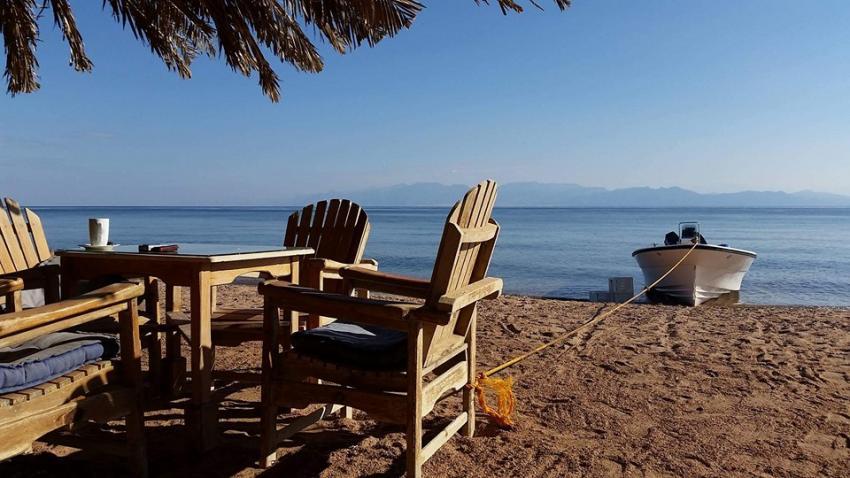 Dive Urge Strand. Dive Urge beach view, Dive Urge Dive Resort, Dahab, Ägypten, Sinai-Nord ab Dahab