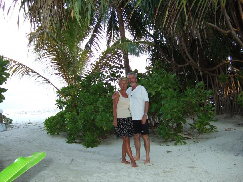 Angaga / Ari Atoll, Angaga / Ari Atoll,Malediven,Strand,weißer Sand,Paar