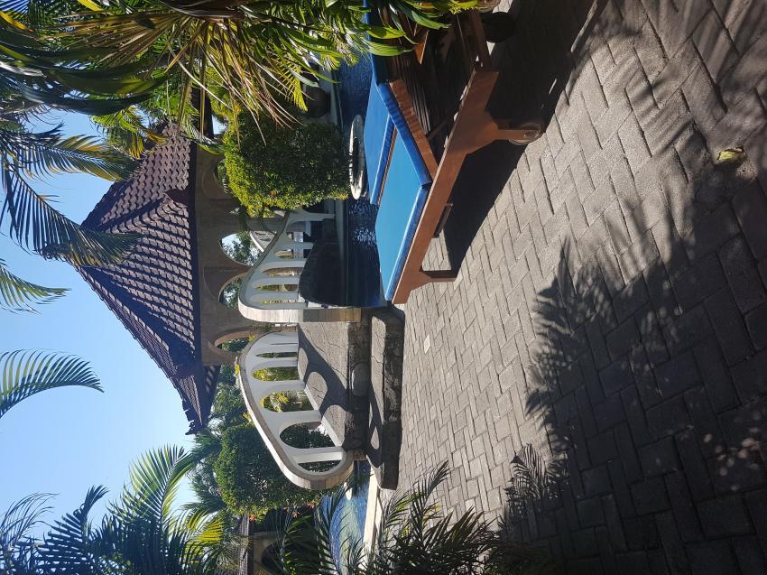 Insel im Pool, Joes Diving Bali - Die Tauchburg, Tulamben, Indonesien, Bali