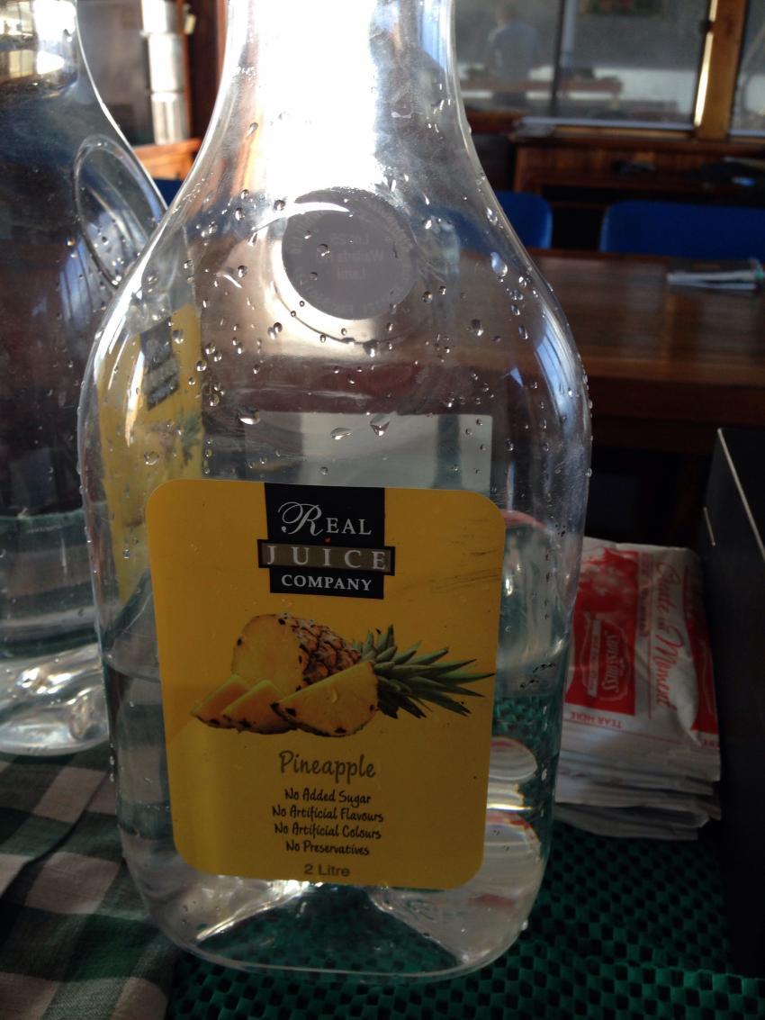 Saftflasche für Trinkwasserversorgung, Fiji Aggressor (Fiji Island Dancer II), Fidschi