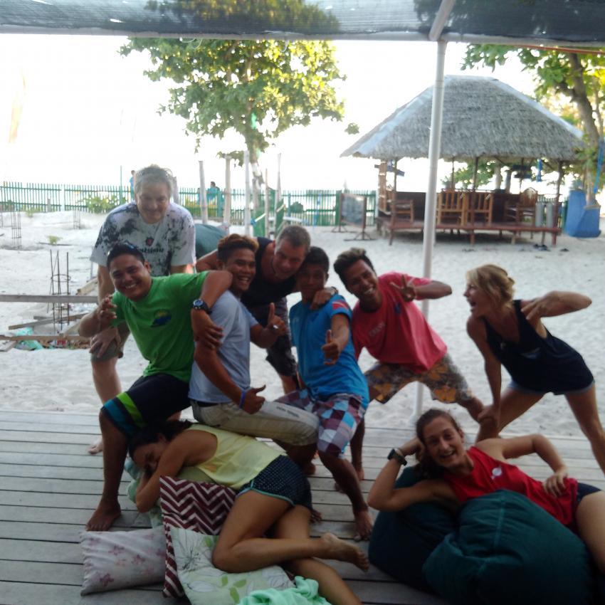 Boss, Kunden und Mitarbeiter....., Devocean Divers, Malapascua (ehemals Seaquest Divecenter), Philippinen
