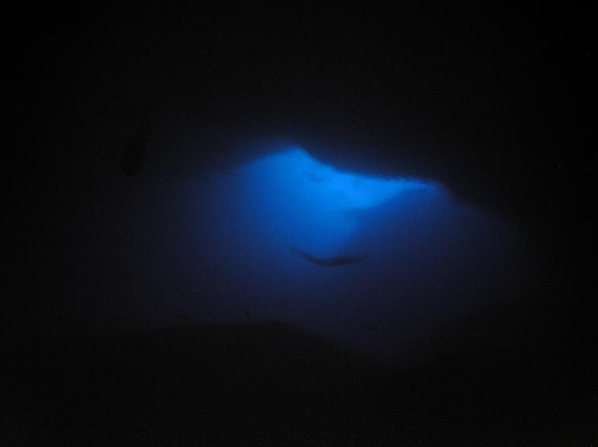 Sipadan - Höhlentauchen, Sipadan,Malaysia,Höhle,kl. Lichteinfall,mystisch