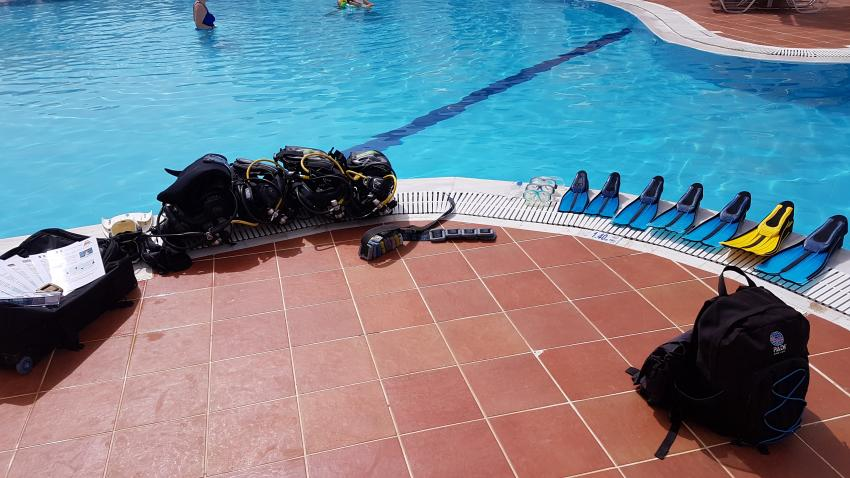 Poolausbildung im Norida Beach Hotel, Arian Diving Center, Kos, Kardamena, Griechenland