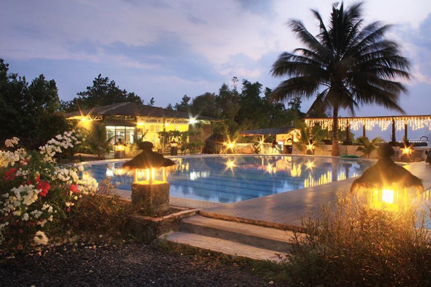Thalassa Dive Resort at sunset, Thalassa, Manado, Nord-Sulawesi, Indonesien, Sulawesi