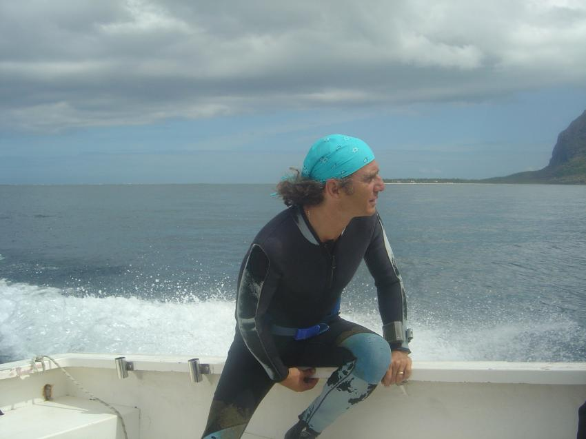 Le Morne, Le Morne,Mauritius,tauchboot,rasant,vorwärts,gischt
