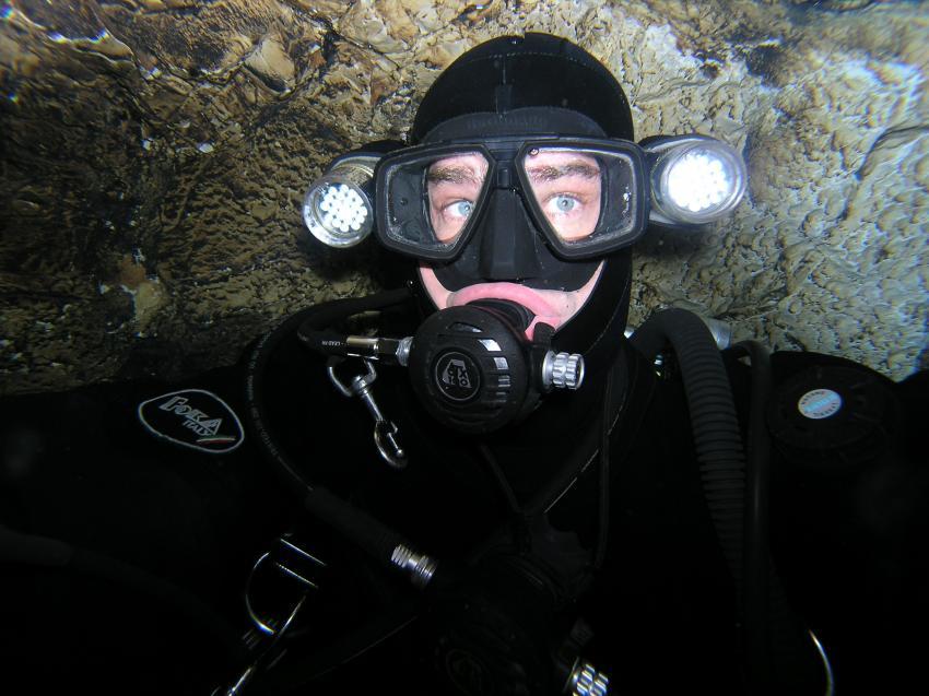 Crotta Fontanazzi, Crotta Fontanazzi,Italien,Selbstporträt,höhlentaucher,lampen