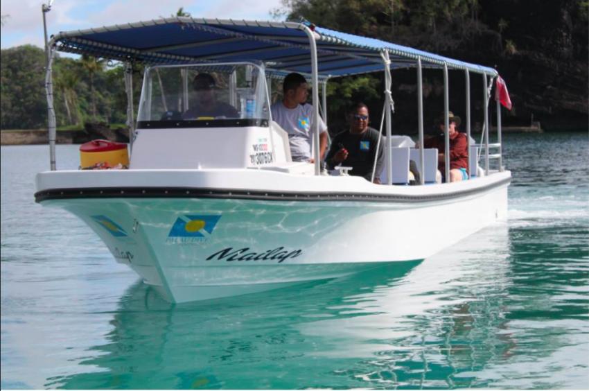 """""""Mailap"""" Tauchboot 12m, Palau Dive Adventures, Palau"""