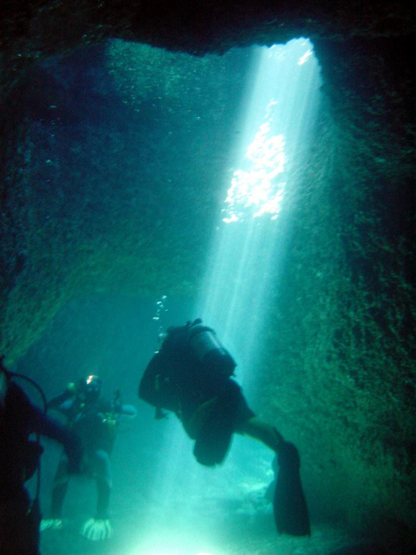 Pula, Pula,Kroatien,Grotte II,höhle,lichtstrahl,sonne