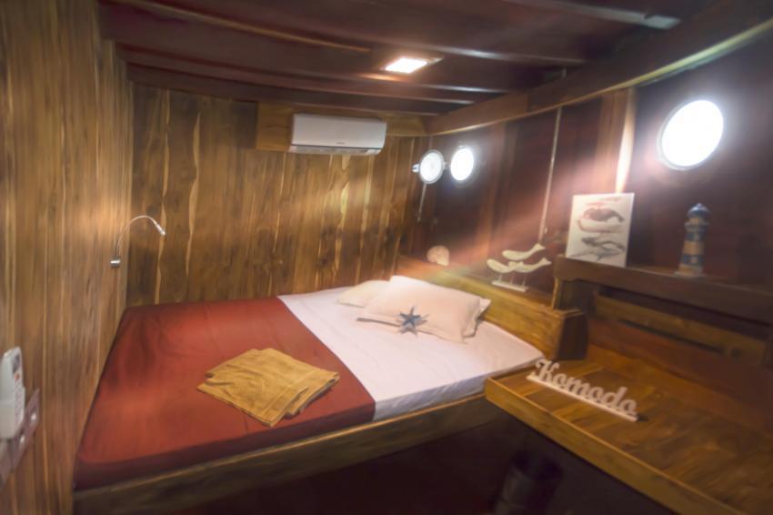 großräumige Kabine, Kabine, innen, Doppelbett, gemütlich, Wunderpus, Indonesien, Allgemein