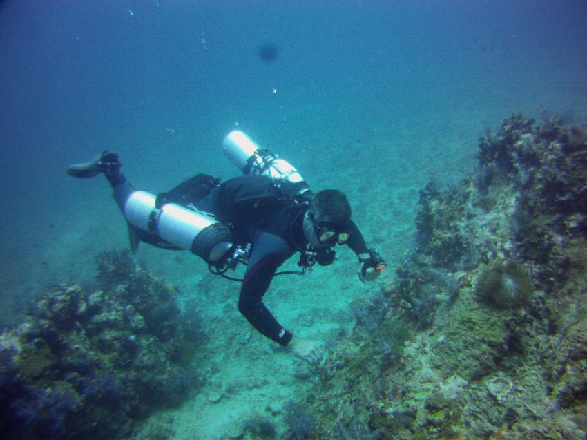 Absolut Diving - Sidemount Ausbildung, Absolut Diving, deutsche Tauchschule, PADI, TDI, NAUI, Kreislaufgerät, Rebreather, CCR, TEC, Nitrox, TRIMIX, Kata, Thailand, Phuket, Safaris, Tagestouren, Liveaboard, Similans, Phi Phi, Schnorcheln, Sidemount, Andamanensee