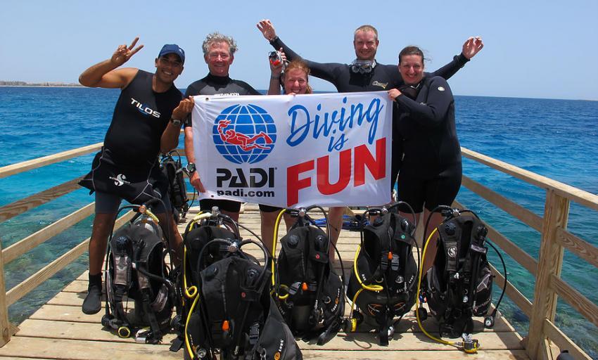 Crazy Waves Diving Club, Tropitel - Sal Hasheesh, Ägypten, Hurghada