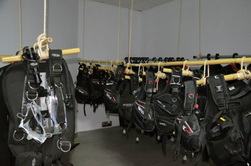 Moderne Ausrüstung , Tauchschule Teneriffa, Diveria Diving Center, Alcala Teneriffa, Spanien, Kanarische Inseln