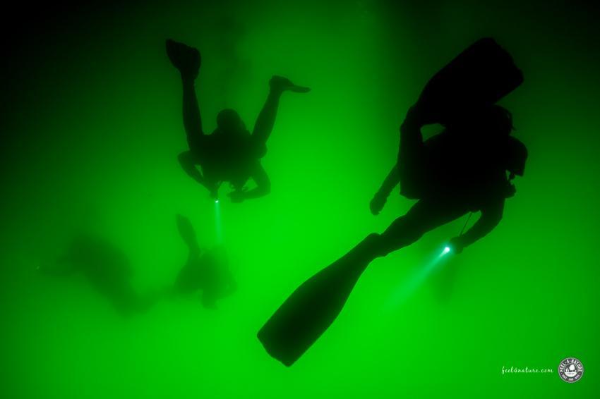 Bizarres Licht am Ausgang der Höhle, Cenote Adventures, Mexiko