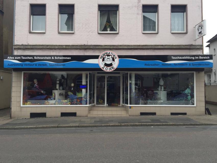 Frontansicht Shop, Tauchschule und Tauchcenter Deep-Down Dortmund, Deutschland, Nordrhein-Westfalen