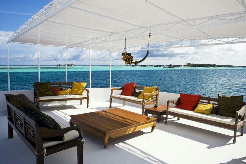 MY Sharifa, Malediven