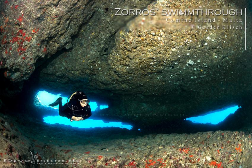 Zorros' swimmthrough_Santa Maria Caves / Gorden Klisch, Comino Caves, Malta, Comino