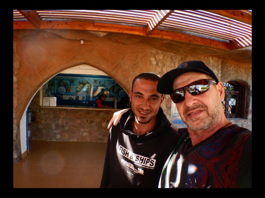 Zizou (links), Office im Hintergrund, Dive In, Hotel Renaissance Golden View Beach Resort, Sharm El Sheikh, Ägypten, Sinai-Süd bis Nabq