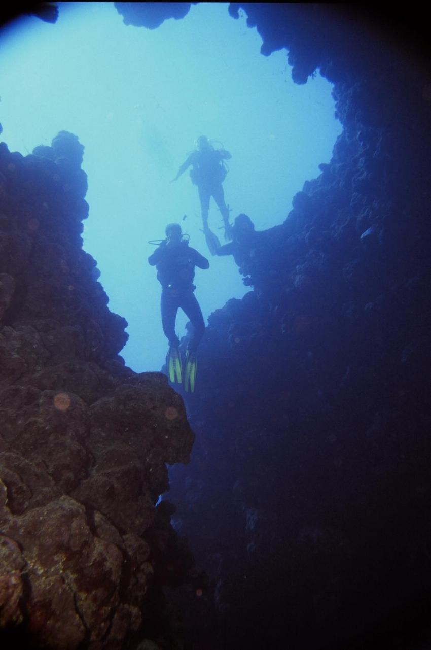 Dahab - Canyon, Canyon (Dahab),Ägypten,Abtauchen,Grotte,Licht,Öffnung,blau,Abstieg,Gruppe