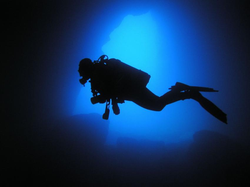 Menorca, Menorca,Spanien,Höhleneingang,Taucher