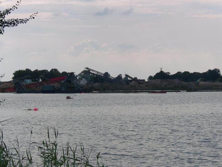 Am und im Kiessee, Kiessee Zarrenthin bei Jarmen,Mecklenburg-Vorpommern,Deutschland