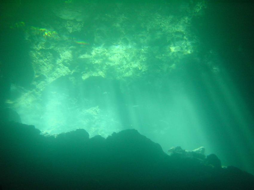 Höhlentauchen, Höhlentauchen,Dominikanische Republik,Höhlen tauchen,Einstieg,Ausstieg,lichteinfall,Lichtspiele