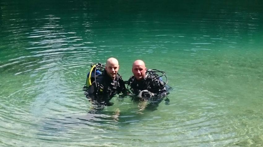 Freiwassertauchgang mit Marcel (Echinger Weiher), Beyond Diving, Baldham bei München, Deutschland, Bayern