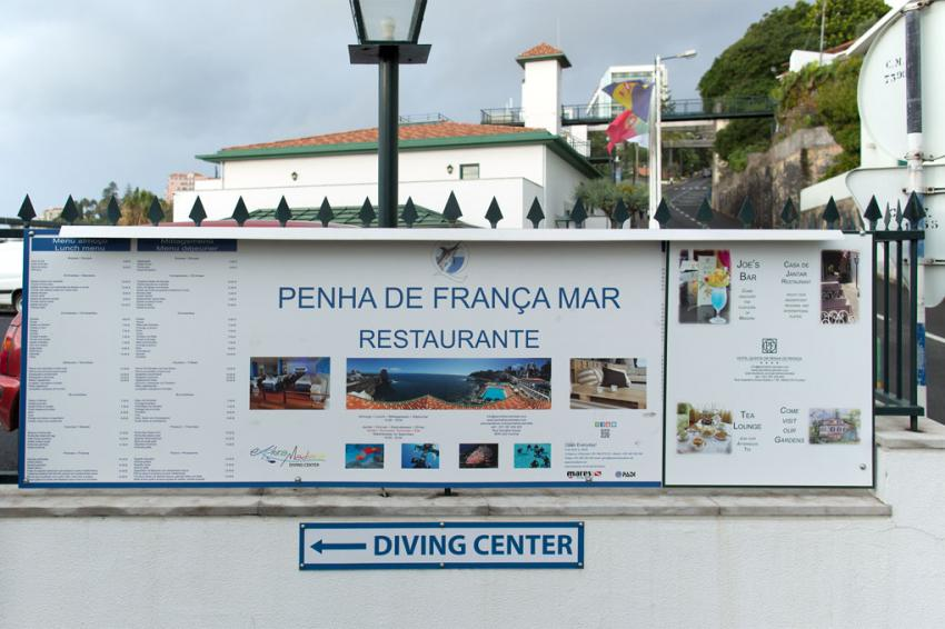 Eingang zum Explora Madeira Diving Center im Hotel Penha de França Mar, Portugal, Madeira, Funchal, Explora Madeira, Explora Madeira Diving Center