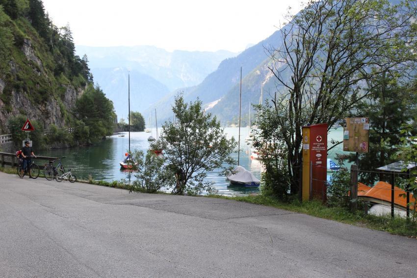 Tauchplatz; rechts nach der Säule der Einstieg, Achensee - TCI, Österreich