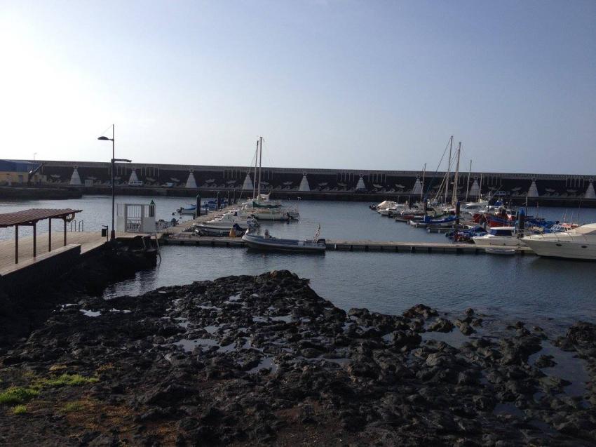 Weg von der Basis zum Boot, Extra Divers El Hierro, Spanien, Kanarische Inseln
