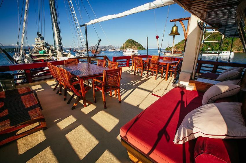 Vorderdeck-Lounge, SM/Y The Seven Seas, Bali, Indonesien