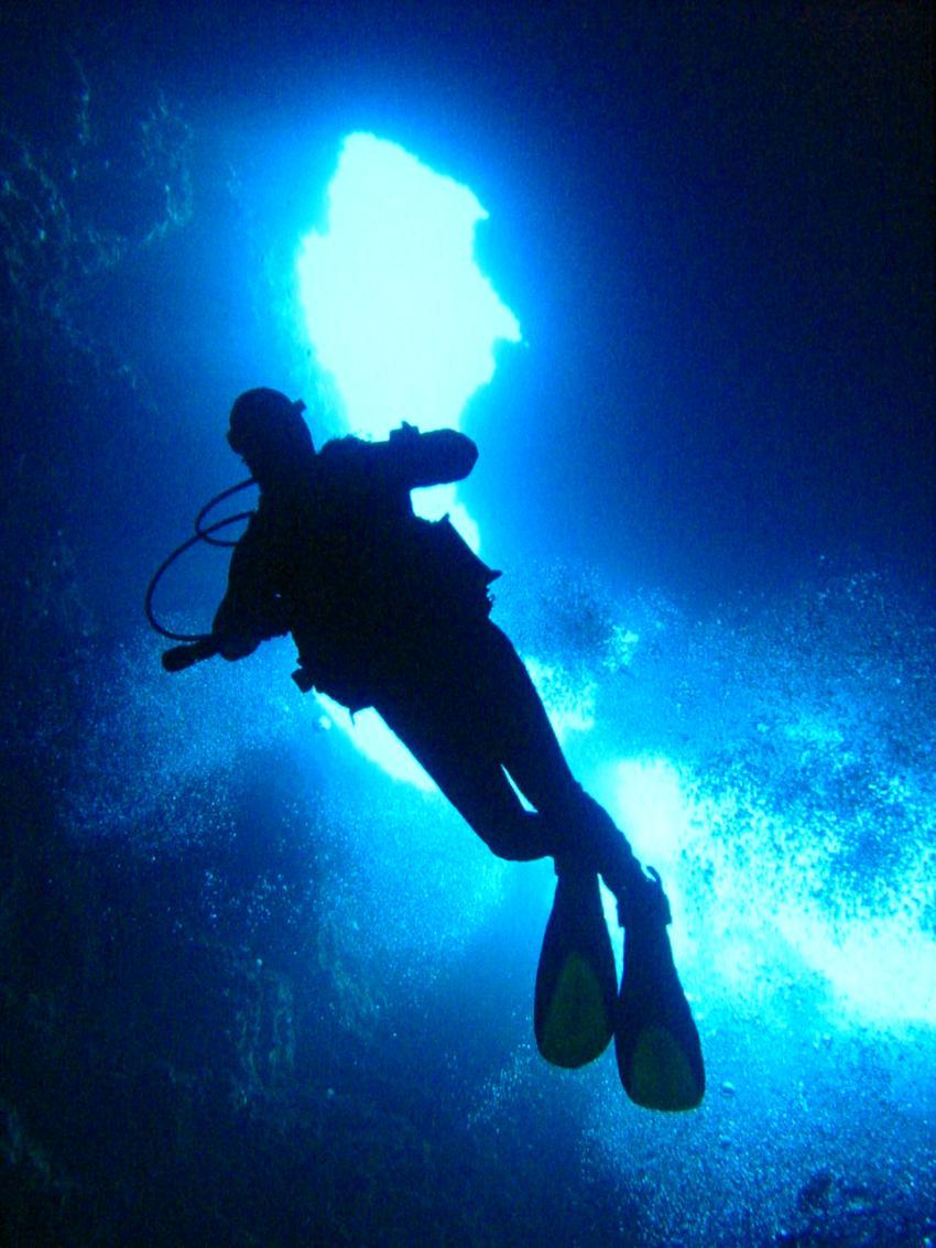 Insel Hvar, Insel Hvar,Kroatien,Taucher,höhle,licht,ausgang