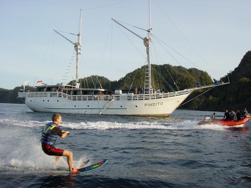 Irian Jaya - Pindito Kreuzfahrt, Irian Yaja,Indonesien,wasserski,segelboot,jacht