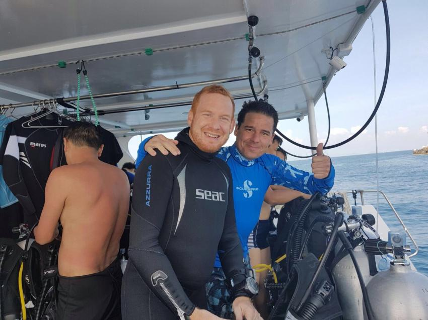 Absolut Diving - Fun Tauchen, Absolut Diving, deutsche Tauchschule, PADI, TDI, NAUI, Kreislaufgerät, Rebreather, CCR, TEC, Nitrox, TRIMIX, Kata, Thailand, Phuket, Safaris, Tagestouren, Liveaboard, Similans, Phi Phi, Schnorcheln, Andamanensee