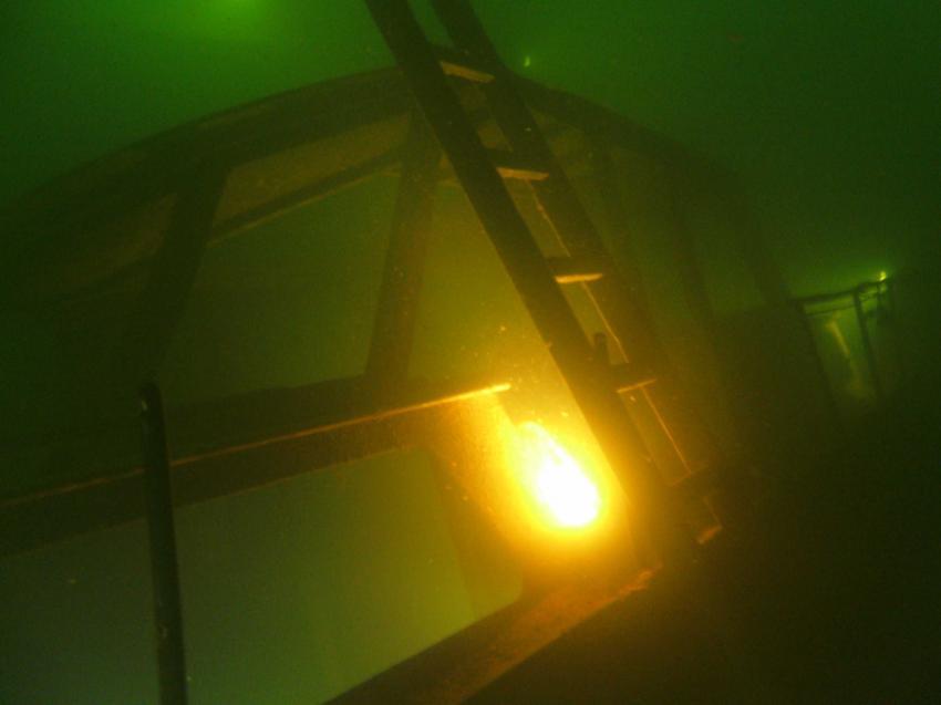 Tauchgang im Tauchgasometer Duisburg, Gasometer (Tauchrevier),Duisburg,Nordrhein-Westfalen,Deutschland