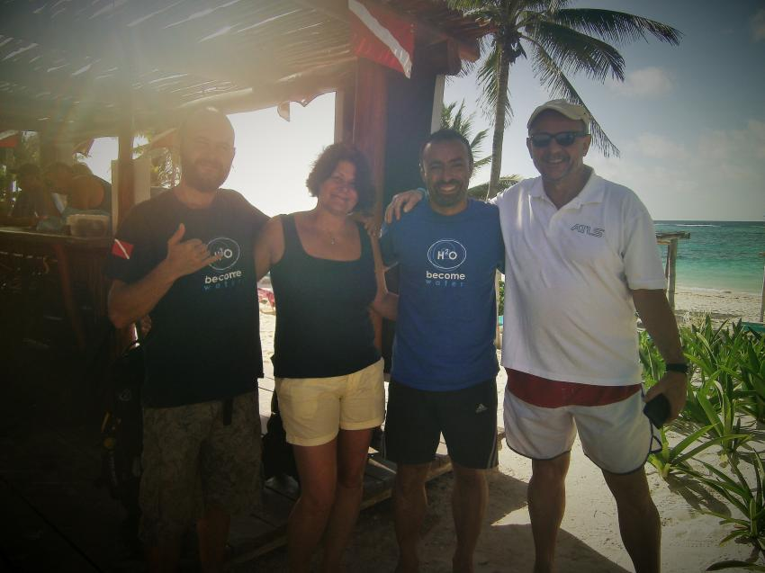 Kevin, Michèle, Aramis, Thomas, Akumal Bay Dive Center, Mexiko