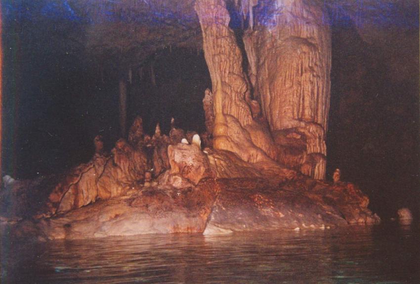 Höhlentauchen, Höhlentauchen,Dominikanische Republik,Stalaktiten,Stalagmiten,Tropfsteinhöhle,Höhlen tauchen