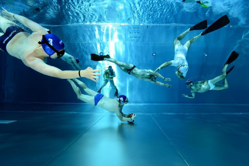 Der Club trainiert drei mal wöchentlich Unterwasser Rugby (c) Heinz Toperczer