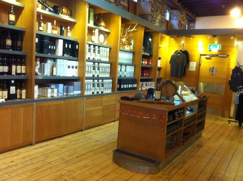 Verkaufsraum Oban Distillery, Oban Distillery, Schottland, Whisky, Großbritannien