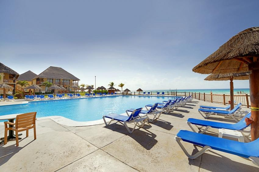 Hotelpool am Strand - Allegro Playacar, Pro Dive International - Occidental Royal Hideaway Playacar & Allegro Playacar, Mexiko