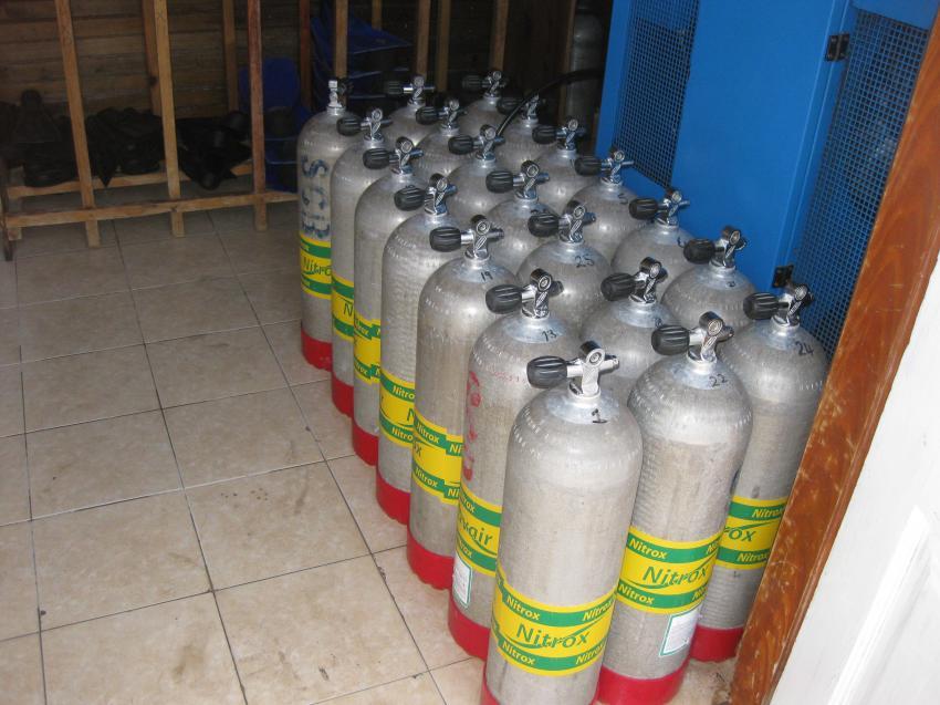 ScubaCaribe Montego Bay Flaschen, Scuba Caribe Riu Montego Bay, Jamaika