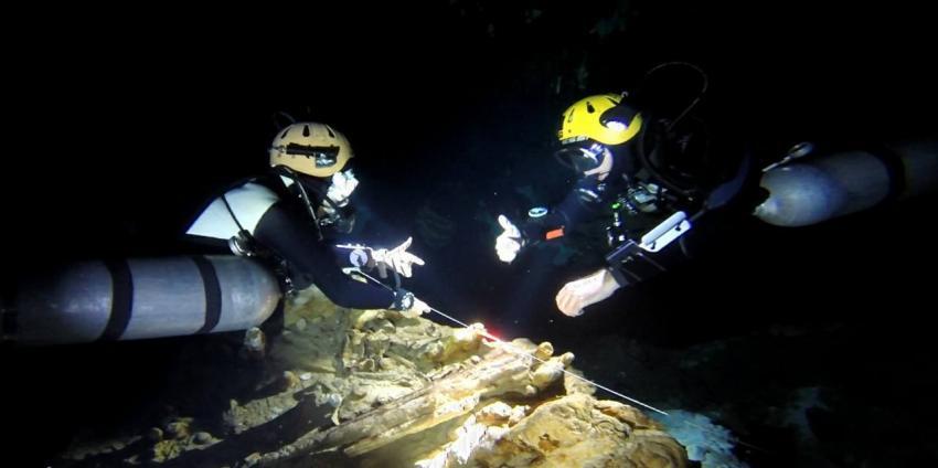 CAVE DIVING YUCATAN, Sidemount, Höhlentauchen, Cave Diving Yucatan, Playa del Carmen, Mexiko
