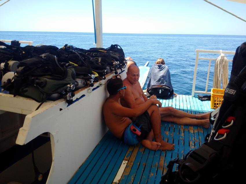 Persönliche Gespräche vor dem Tauchgang, Devocean Divers, Malapascua (ehemals Seaquest Divecenter), Philippinen