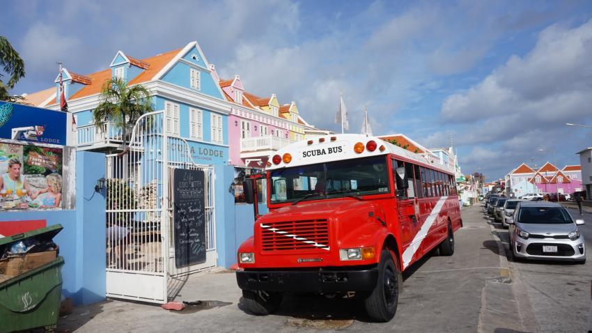 Scuba Lodge Dive Bus, Divecenter Pietermaai, Scuba Lodge and Suites, Willemstad, Niederländische Antillen, Curaçao