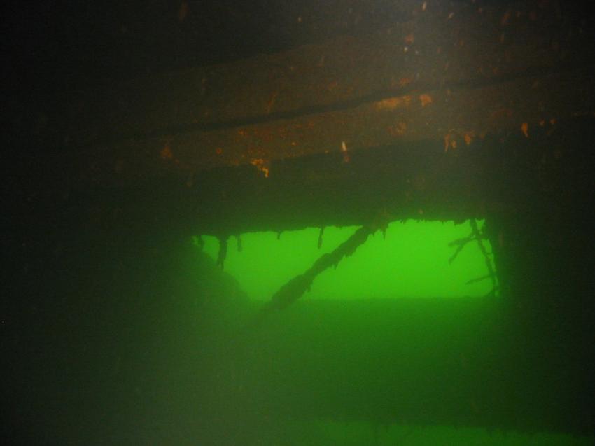 wuppertalsperre, Wuppertalsperre Kräwinklerbrücke Nord,Nordrhein-Westfalen,Deutschland,decke,öffnung,like