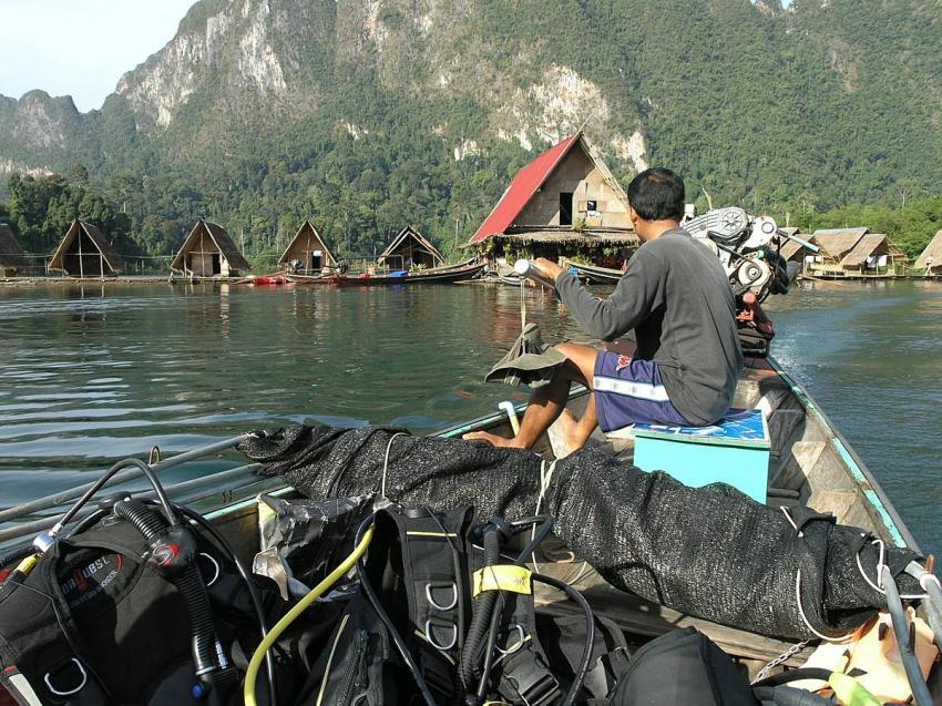 Khao Sok , Chao Lan Stausee., Khao Sok,Chao Lan Stausee,Thailand,Schwimmende Bungalows,See,Expedition,Gepäck,Anreise,abenteuerlich,Abenteuer